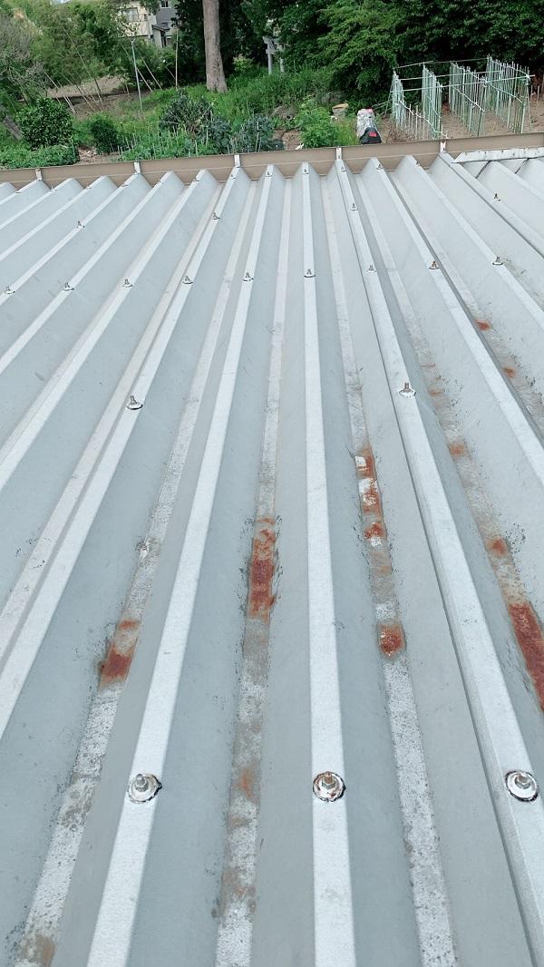 大阪府堺市 屋根塗装 折板屋根 下地処理 エスケー化研 プレミアムシリコン ラジカル制御式
