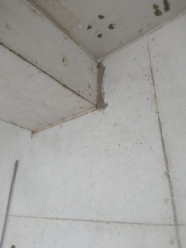 コンクリート剥がれの画像
