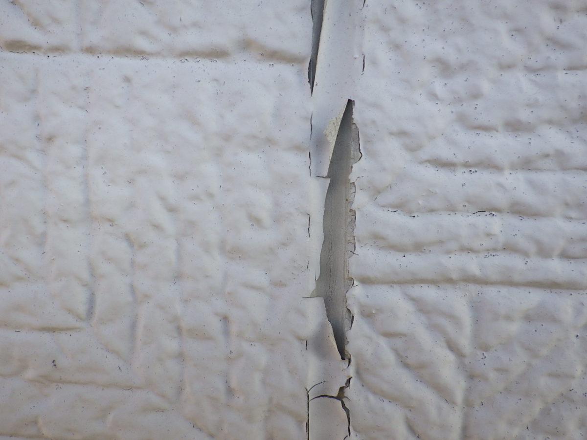塗膜の割れの画像