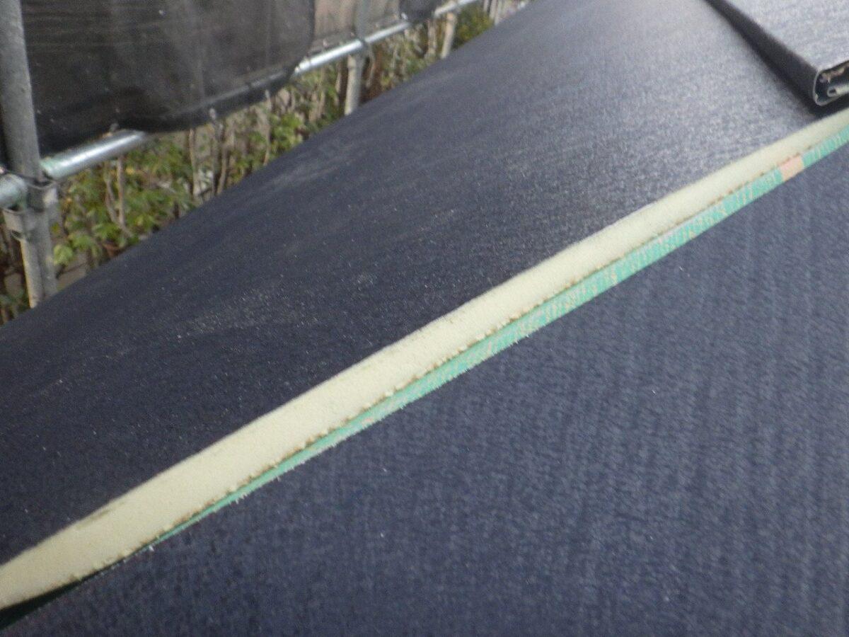 屋根材葺き作業の画像